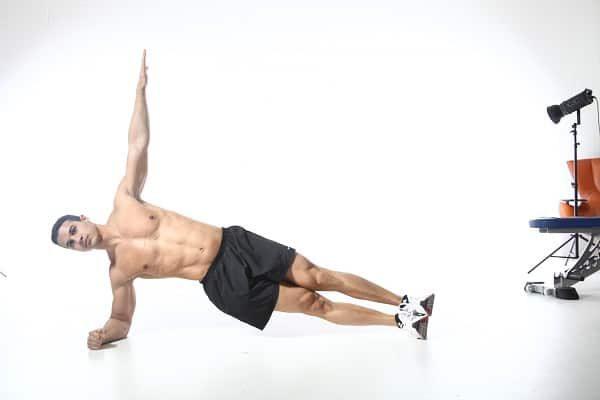 Các bài tập trong 1 tháng plank cho nam giới có cơ sáu múi